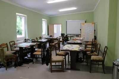 Im grünen Klassenzimmer finden heute Seminare, Kochkurse, Feste und viele weitere Veranstaltungen statt.